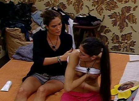 Adriana Peluso fuori di seno Grande Fratello 12
